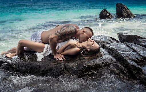 http://members.personallifemedia.com/wp-content/uploads/2017/06/Couple-By-The-Beach.jpg