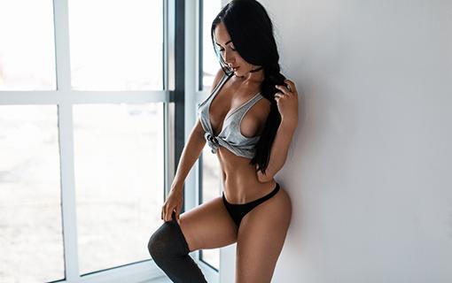 http://members.personallifemedia.com/wp-content/uploads/2017/08/sporty-sexy-tan-girl.jpg