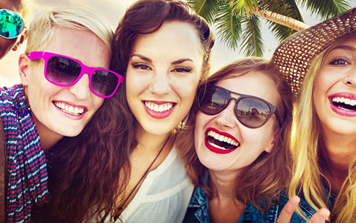 http://members.personallifemedia.com/wp-content/uploads/2017/12/Girlfriends-Friendship-Party-Happiness.jpg