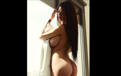 http://members.personallifemedia.com/wp-content/uploads/2017/12/Naked-Pretty-Lady-320.jpg