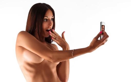 http://members.personallifemedia.com/wp-content/uploads/2018/05/Naked-Selfie-320.jpg
