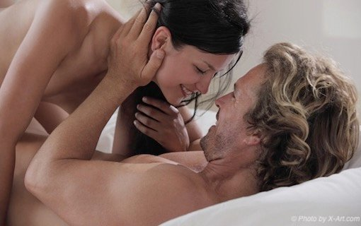 http://members.personallifemedia.com/wp-content/uploads/2018/06/Happy-Couple-In-Bed.jpg