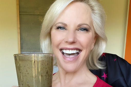 https://members.personallifemedia.com/wp-content/uploads/2020/03/Susan-WIth-Smoothie-510x340.jpg