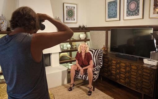 https://members.personallifemedia.com/wp-content/uploads/2021/05/Tim-Photoshoot-With-Susan.jpg