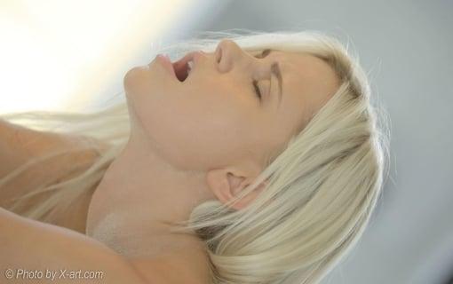 https://members.personallifemedia.com/wp-content/uploads/2021/08/Girl-In-Orgasm-2.jpg